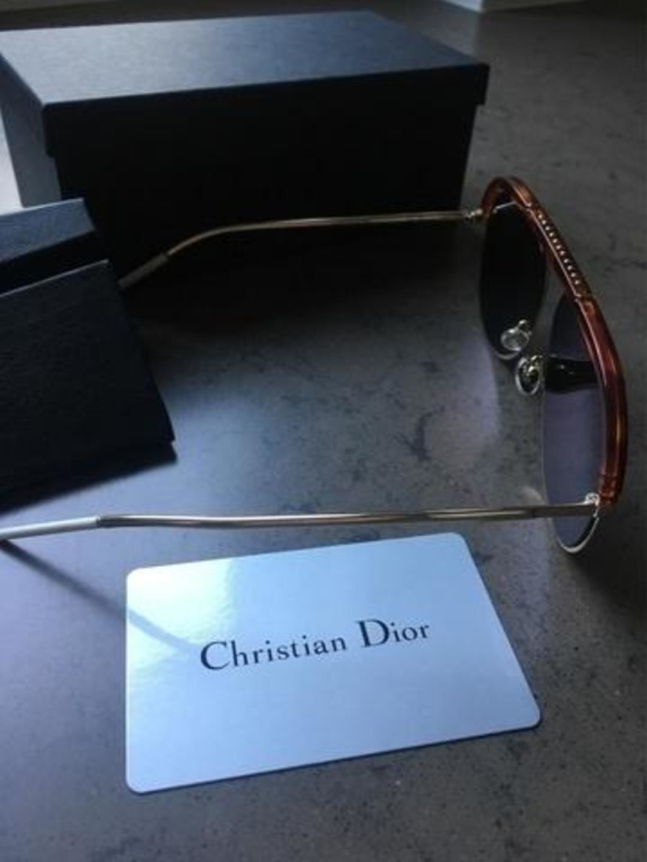 Women's sunglasses - DIOR photo 2
