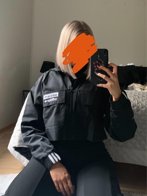 Naiset takit & jakut - ADIDAS photo 2