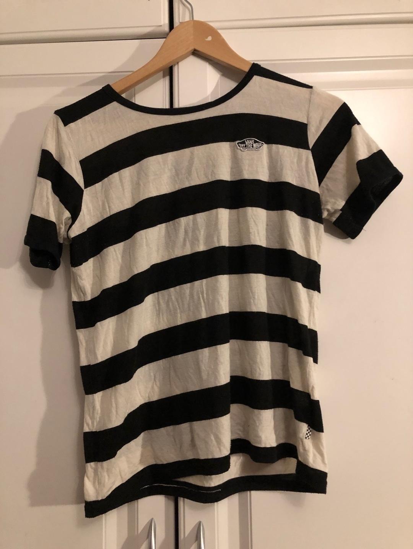 Women's tops & t-shirts - VANS photo 1