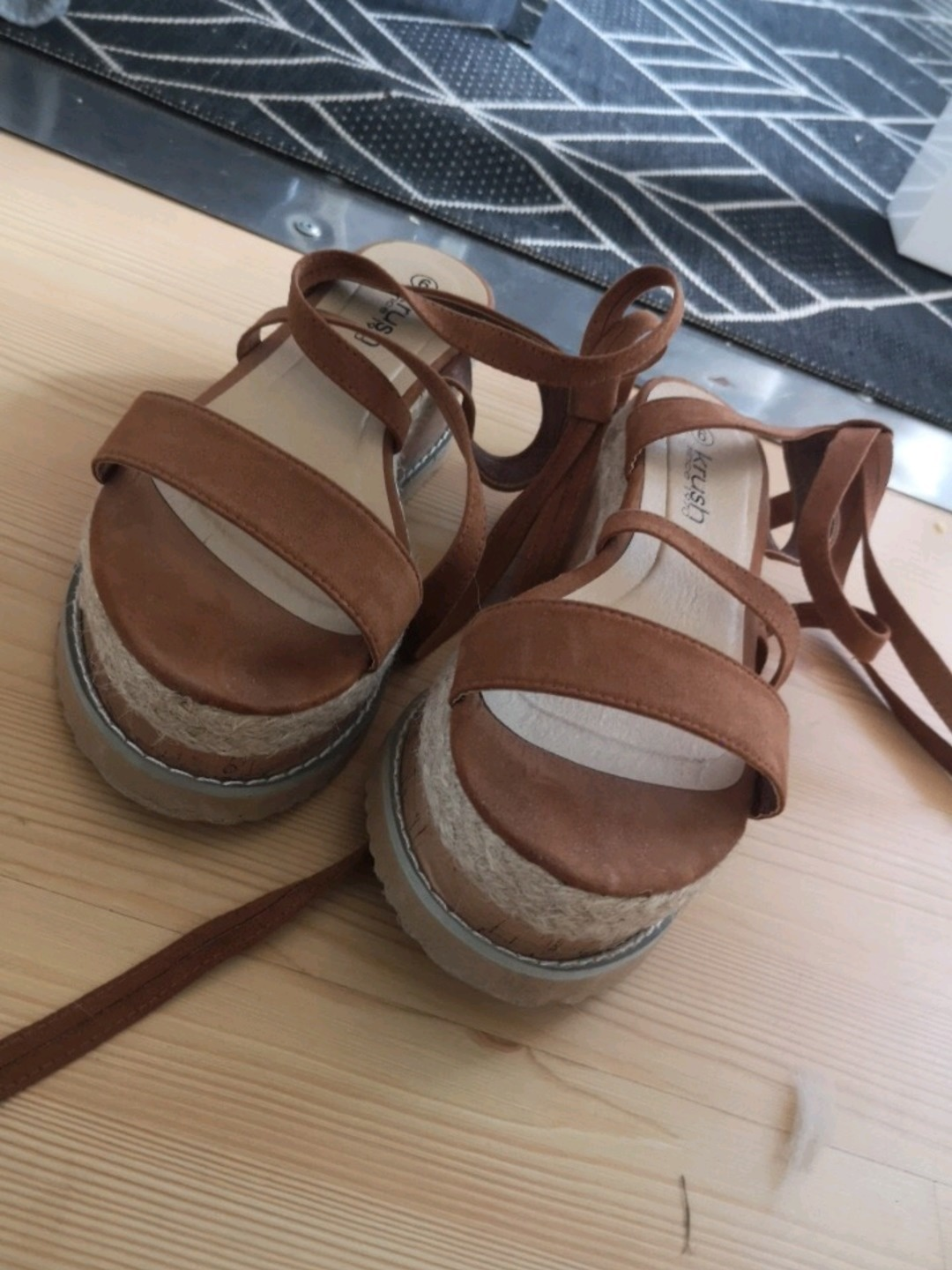 Women's sandals & slippers - KRUSH photo 2