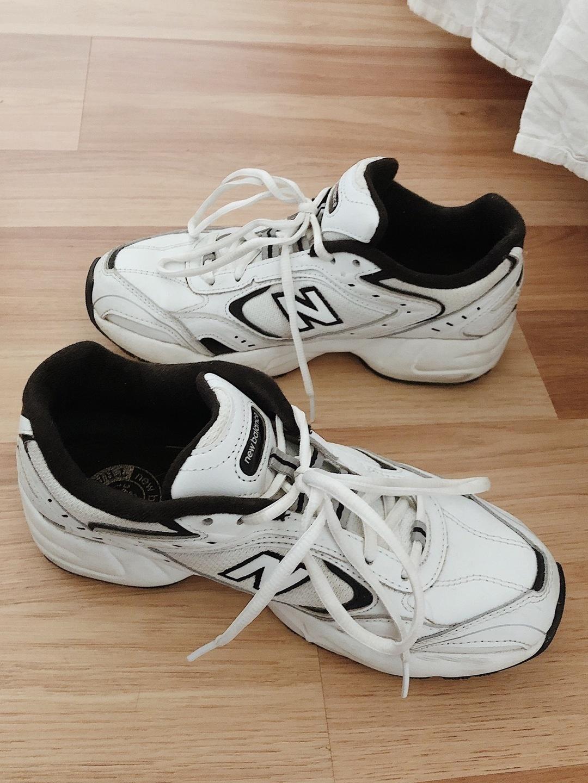 Women's sneakers - NEW BALANCE photo 1