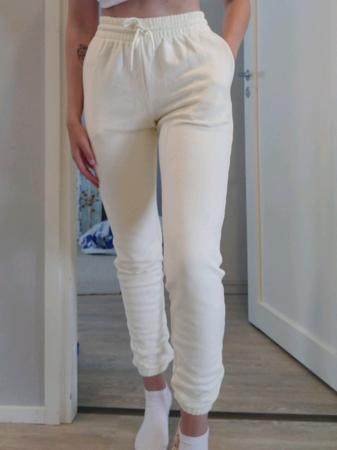 Women's trousers & jeans - OH POLLY photo 1