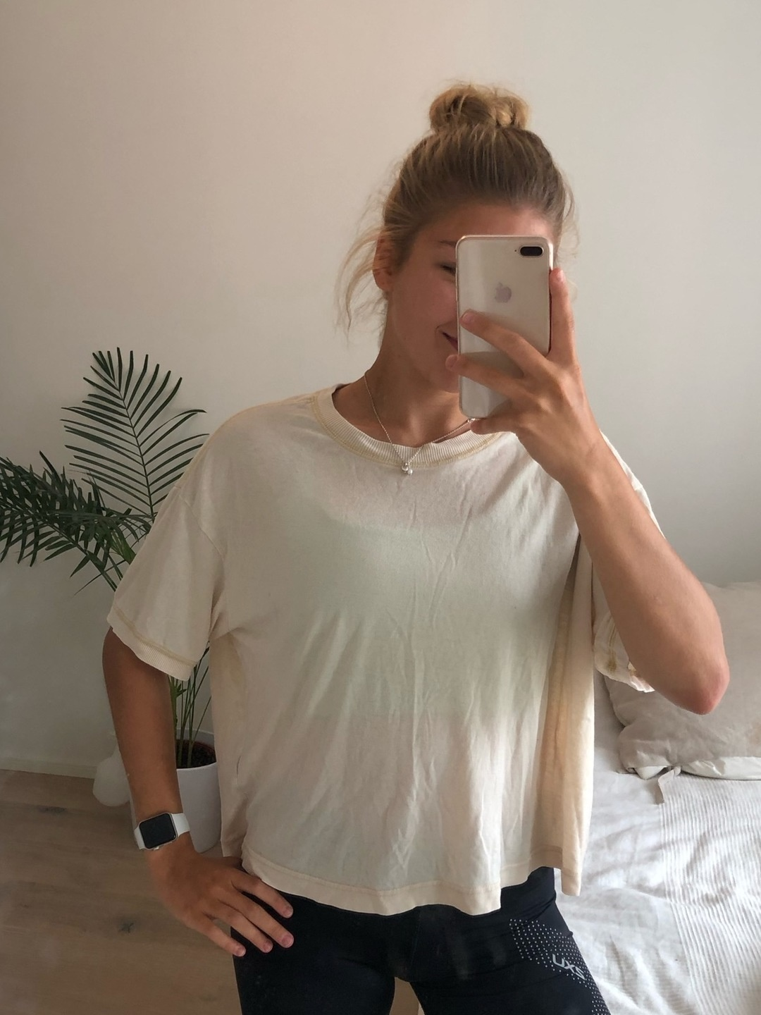 Women's tops & t-shirts - WEEKDAY photo 1