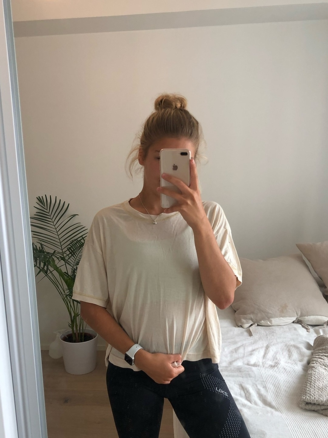 Women's tops & t-shirts - WEEKDAY photo 3
