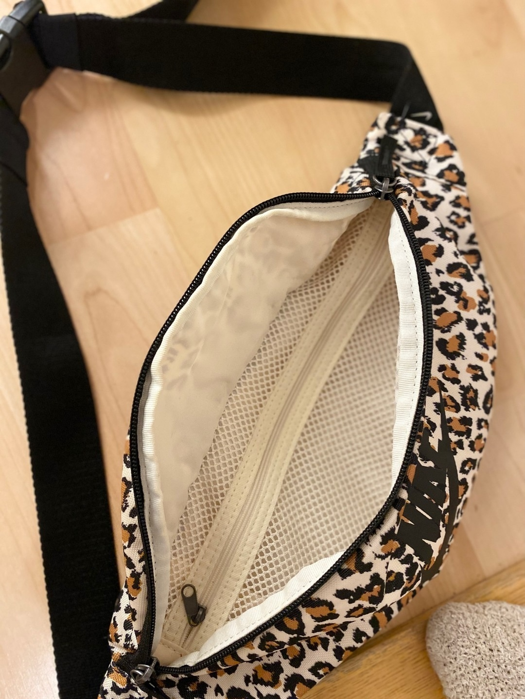 Damers tasker og punge - NIKE photo 3