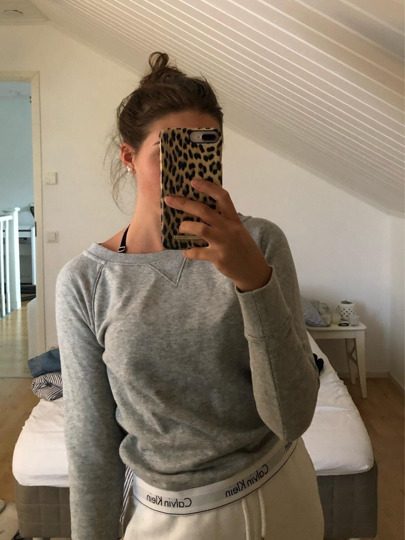 Damers hættetrøjer og sweatshirts - CALVIN KLEIN photo 1