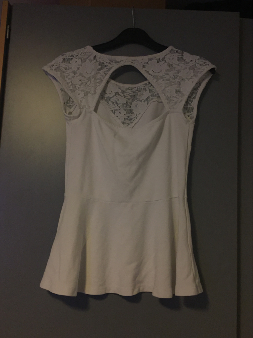 Women's tops & t-shirts - GINA TRICOT photo 3