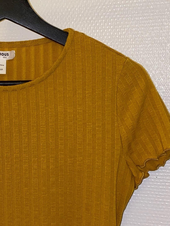 Damen tops & t-shirts - GLAMOROUS photo 2