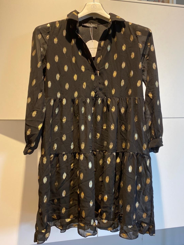 Women's dresses - SASSY CLASSY photo 2