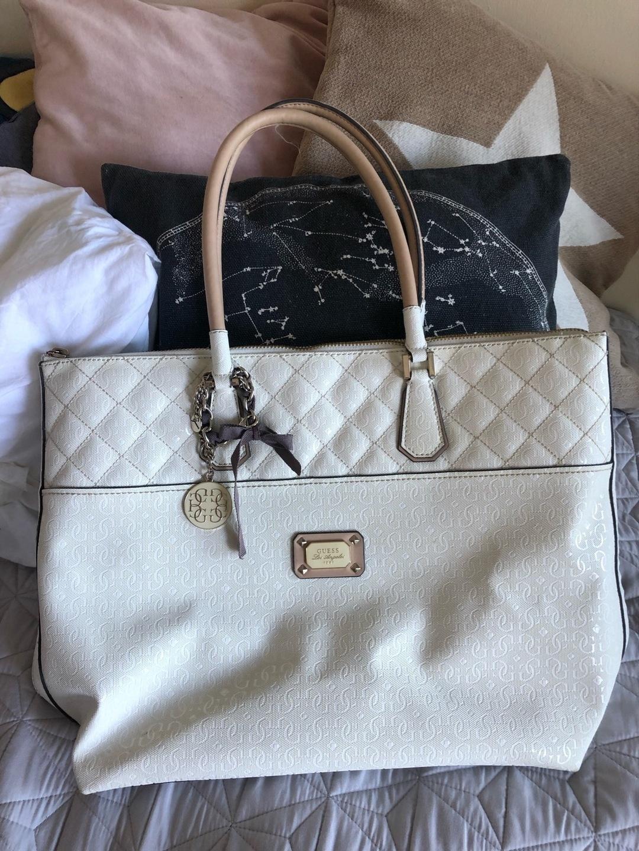Naiset laukut & lompakot - GUESS photo 1