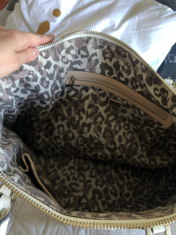 Damers tasker og punge - GUESS photo 2