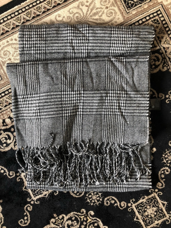 Women's scarves & shawls - MONKI photo 1