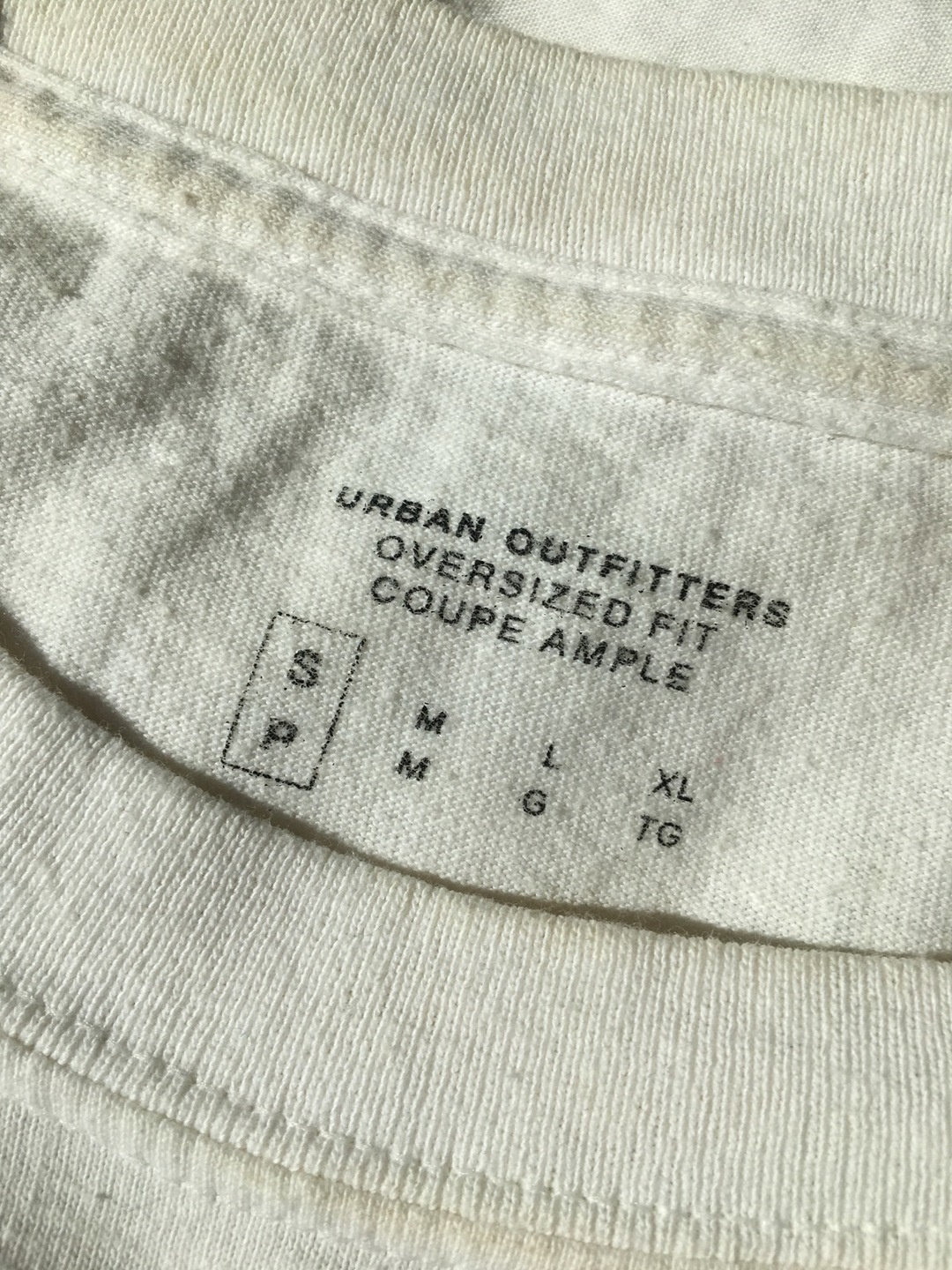 Women's tops & t-shirts - URBAN OUTFITTERS photo 4