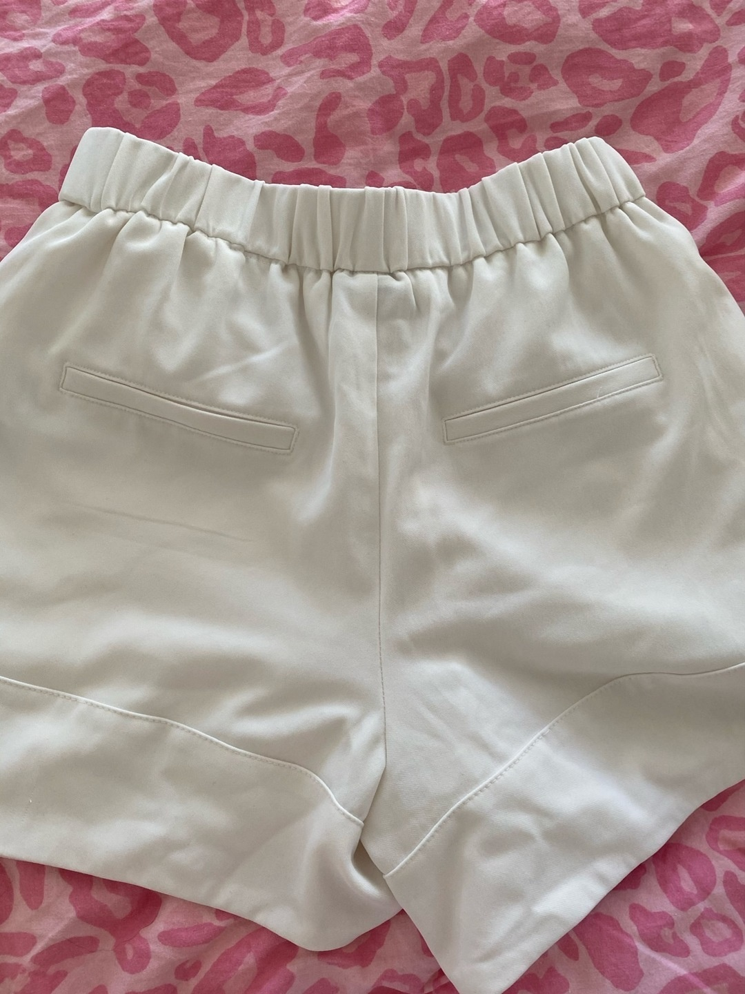 Women's shorts - GINA TRICOT photo 2