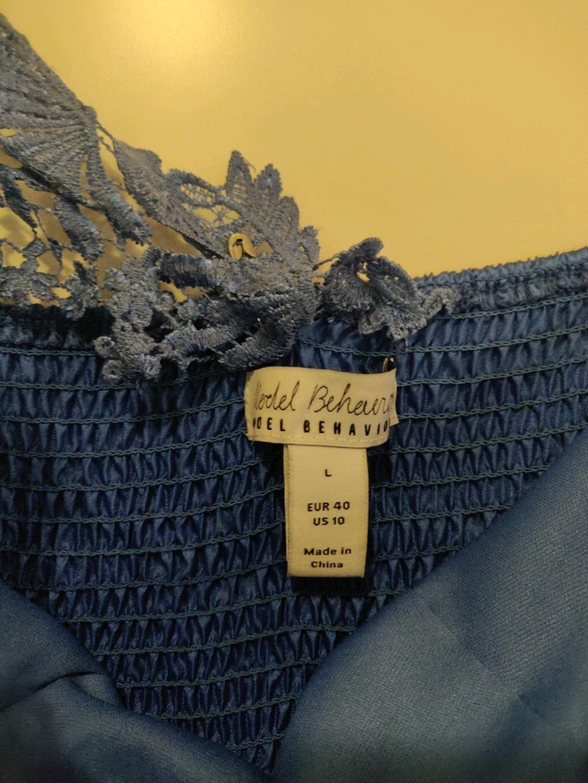 Women's dresses - MODEL BEHAVIOUR photo 3