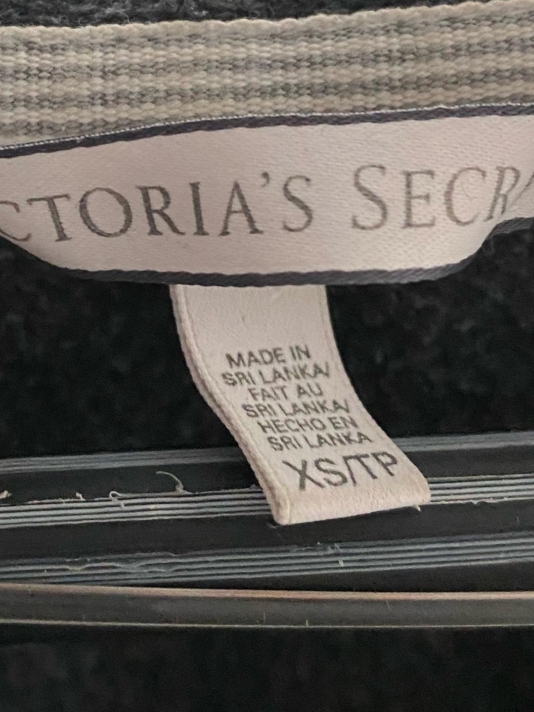 Women's hoodies & sweatshirts - VICTORIA'S SECRET photo 2
