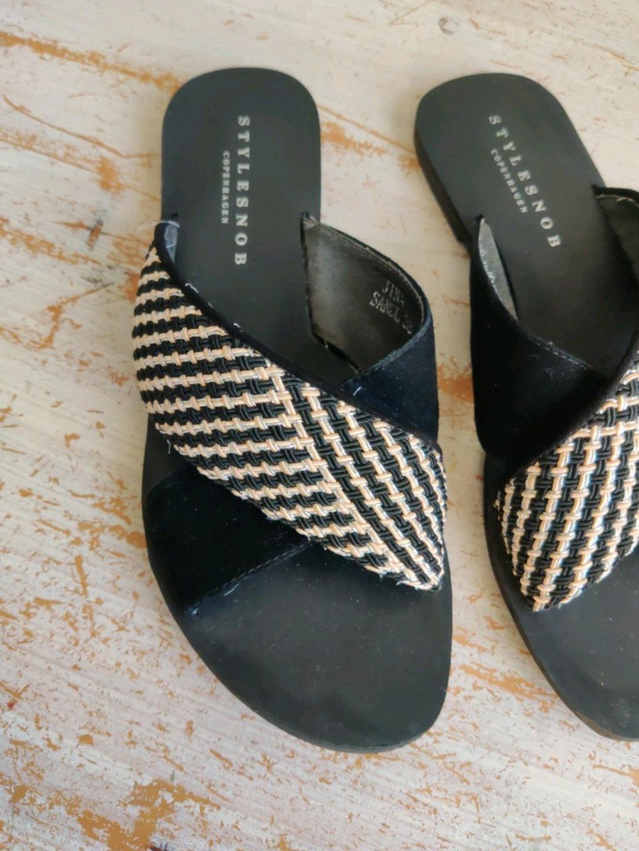 Women's sandals & slippers - STYLESNOB photo 2