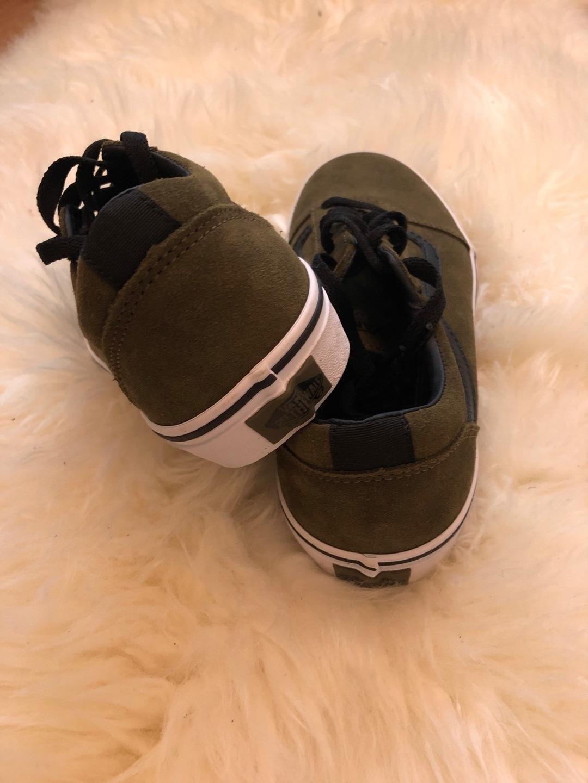 Women's sneakers - VANS OLD SKOOL photo 2