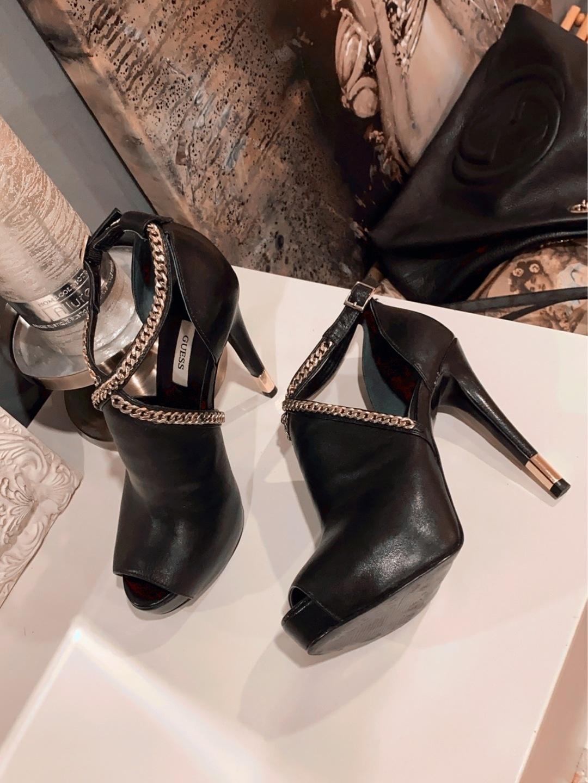Women's heels & dress shoes - GUESS photo 2