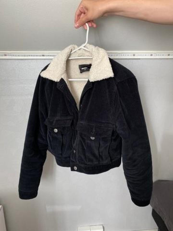 Damers frakker og jakker - BIK BOK photo 1