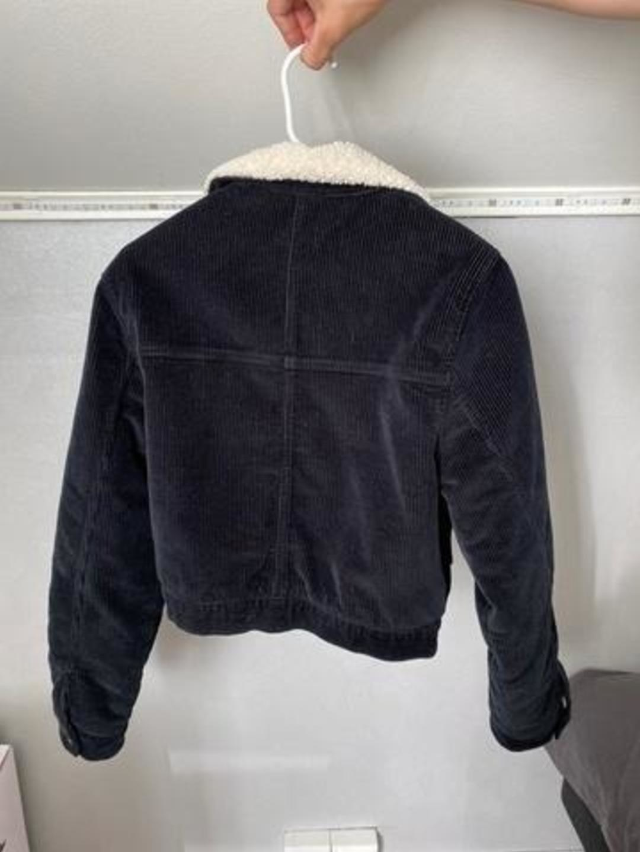Damers frakker og jakker - BIK BOK photo 2