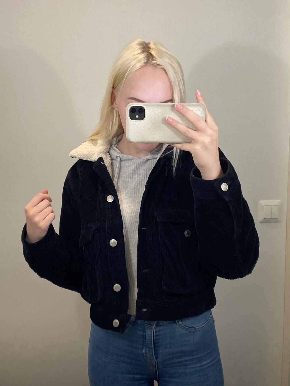 Damers frakker og jakker - BIK BOK photo 4