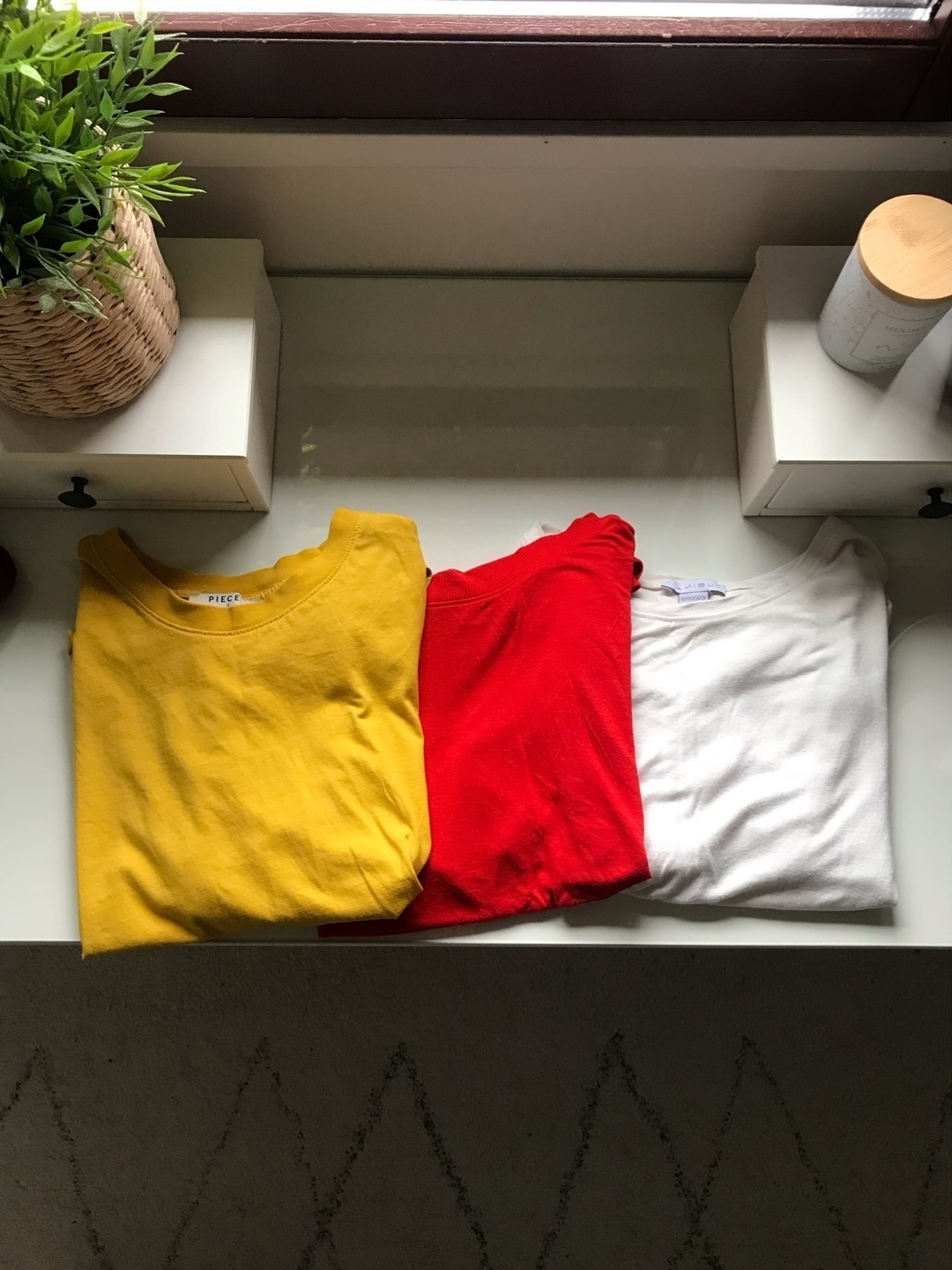 Women's tops & t-shirts - PIECES photo 1