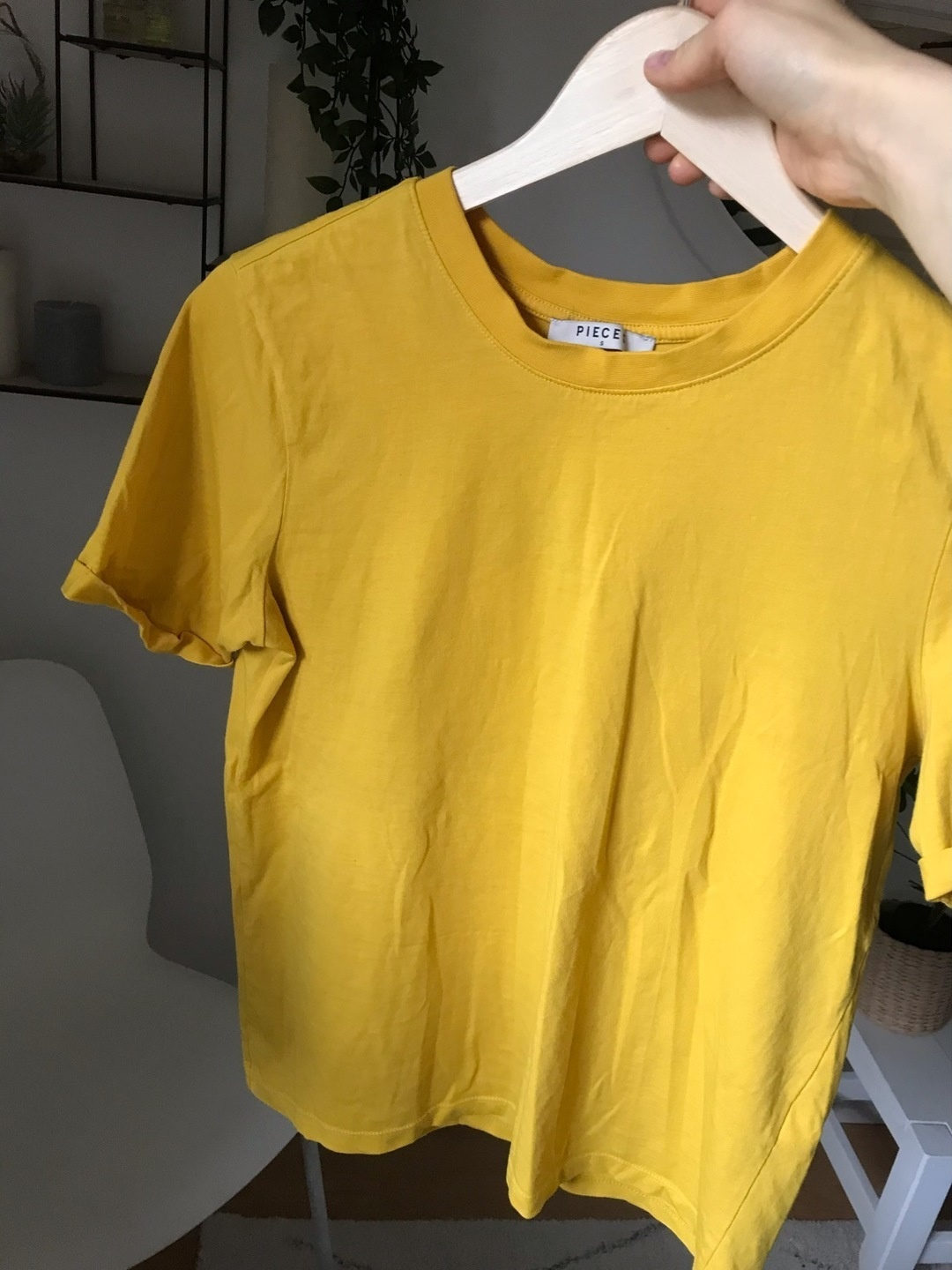 Women's tops & t-shirts - PIECES photo 2