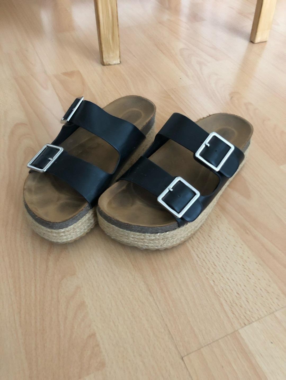 Women's sandals & slippers - PULL&BEAR photo 2