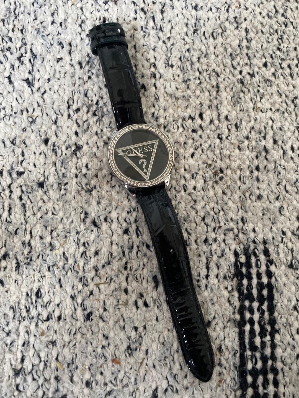 Women's watches - GUESS photo 1