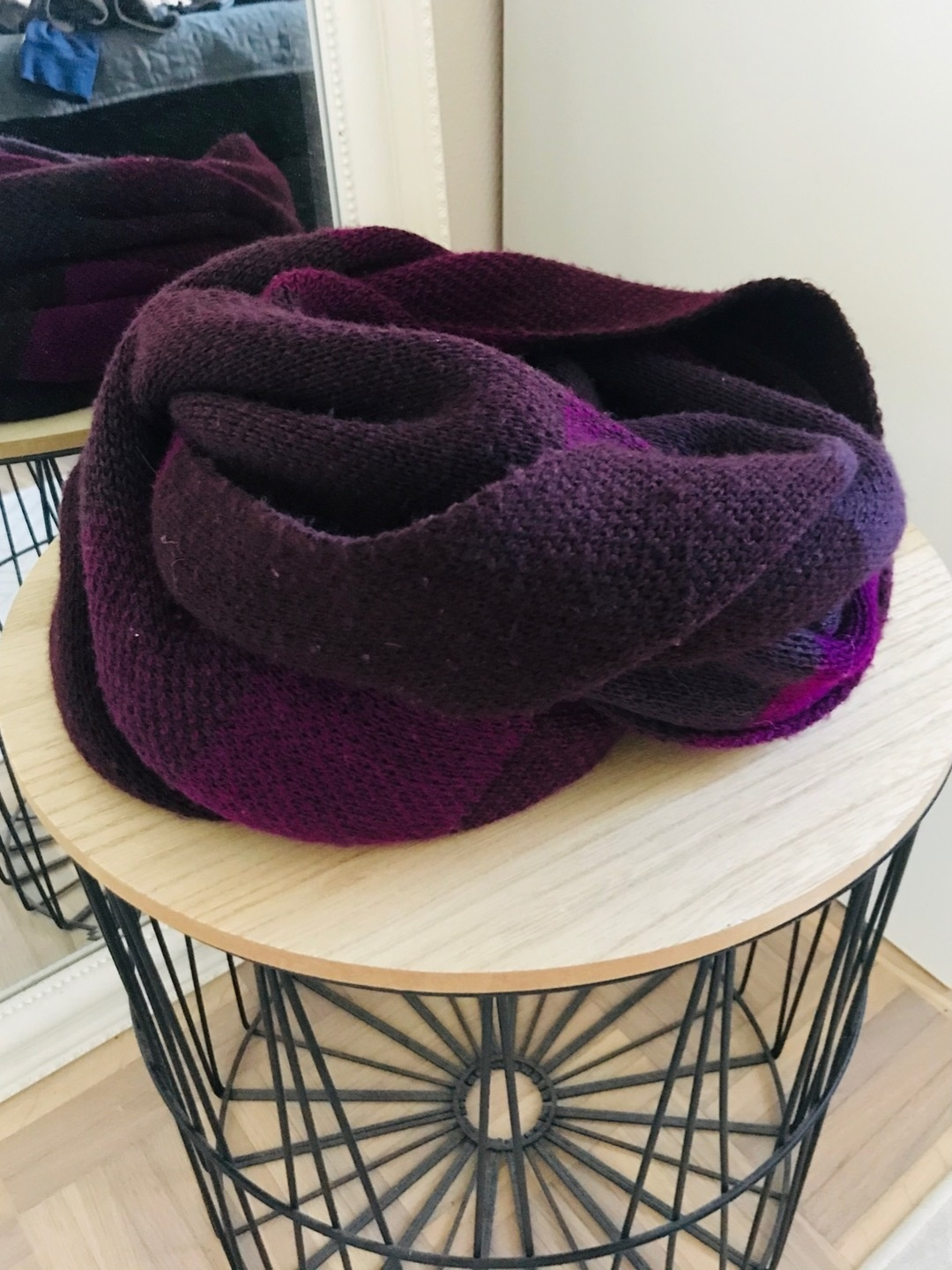 Women's scarves & shawls - GINA TRICOT photo 1