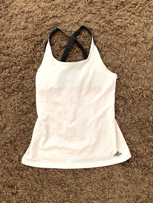 Women's sportswear - ADIDAS photo 1