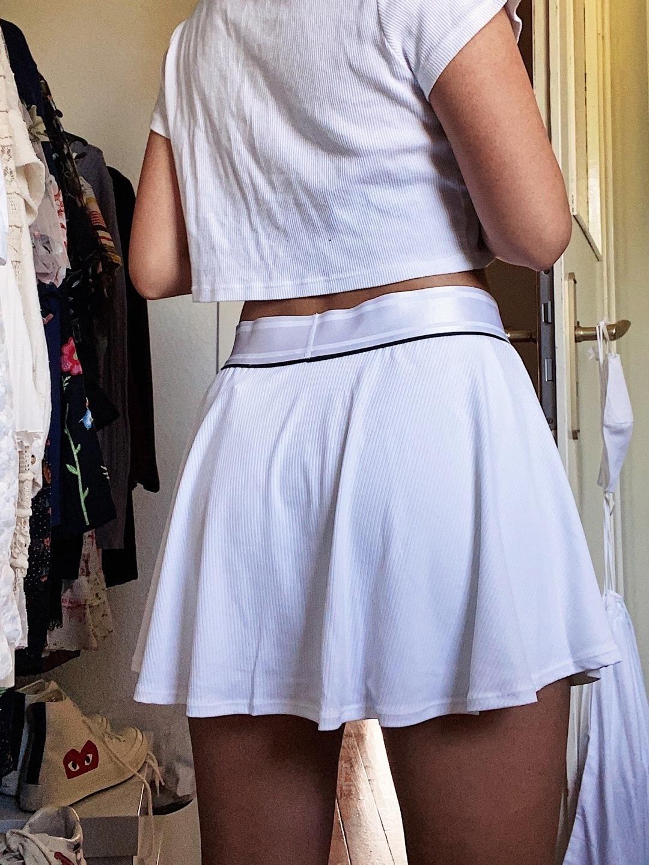 Women's skirts - NIKE photo 4