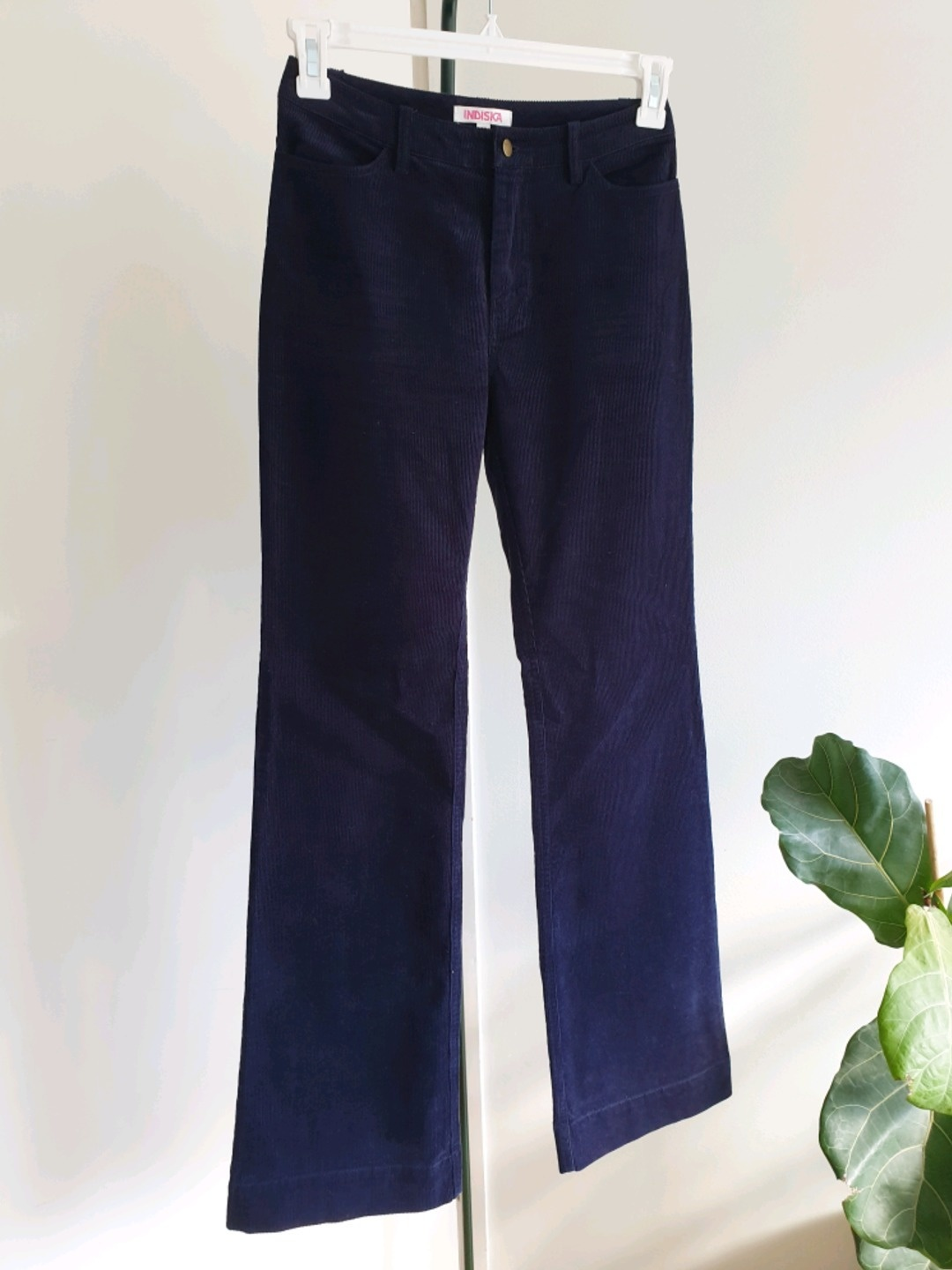 Women's trousers & jeans - INDISKA photo 1