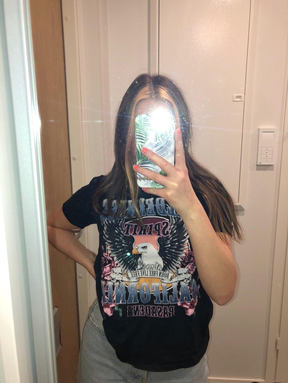 Damen tops & t-shirts - GINA TRICOT photo 1