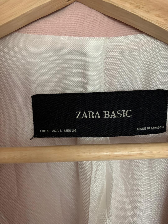 Naiset bleiserit & puvut - ZARA photo 2