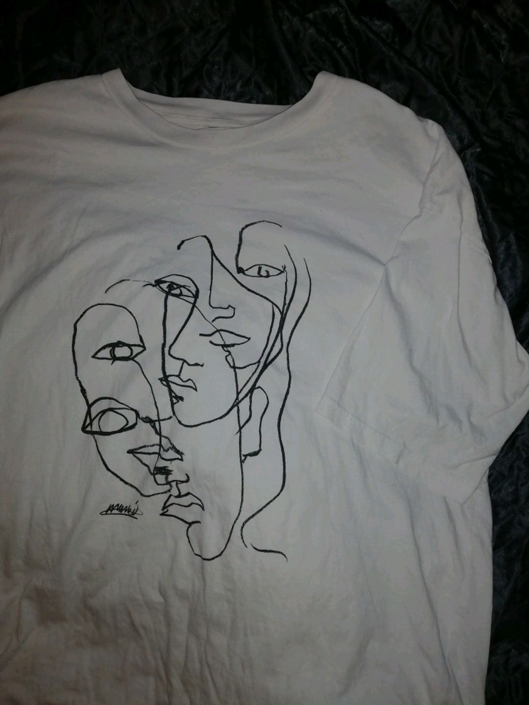 Damen tops & t-shirts - MONKI photo 1