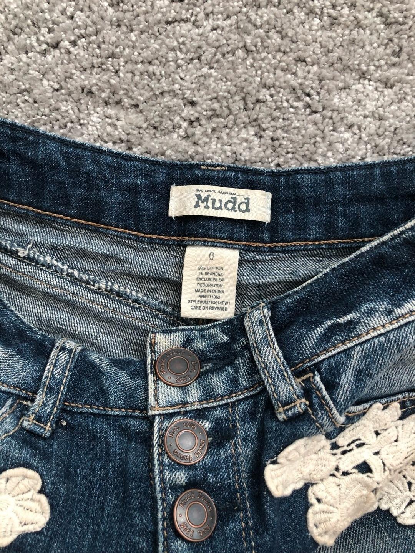 Women's shorts - MUDD photo 3