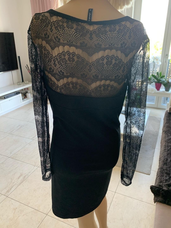 Damers kjoler - B. YOUNQ photo 2