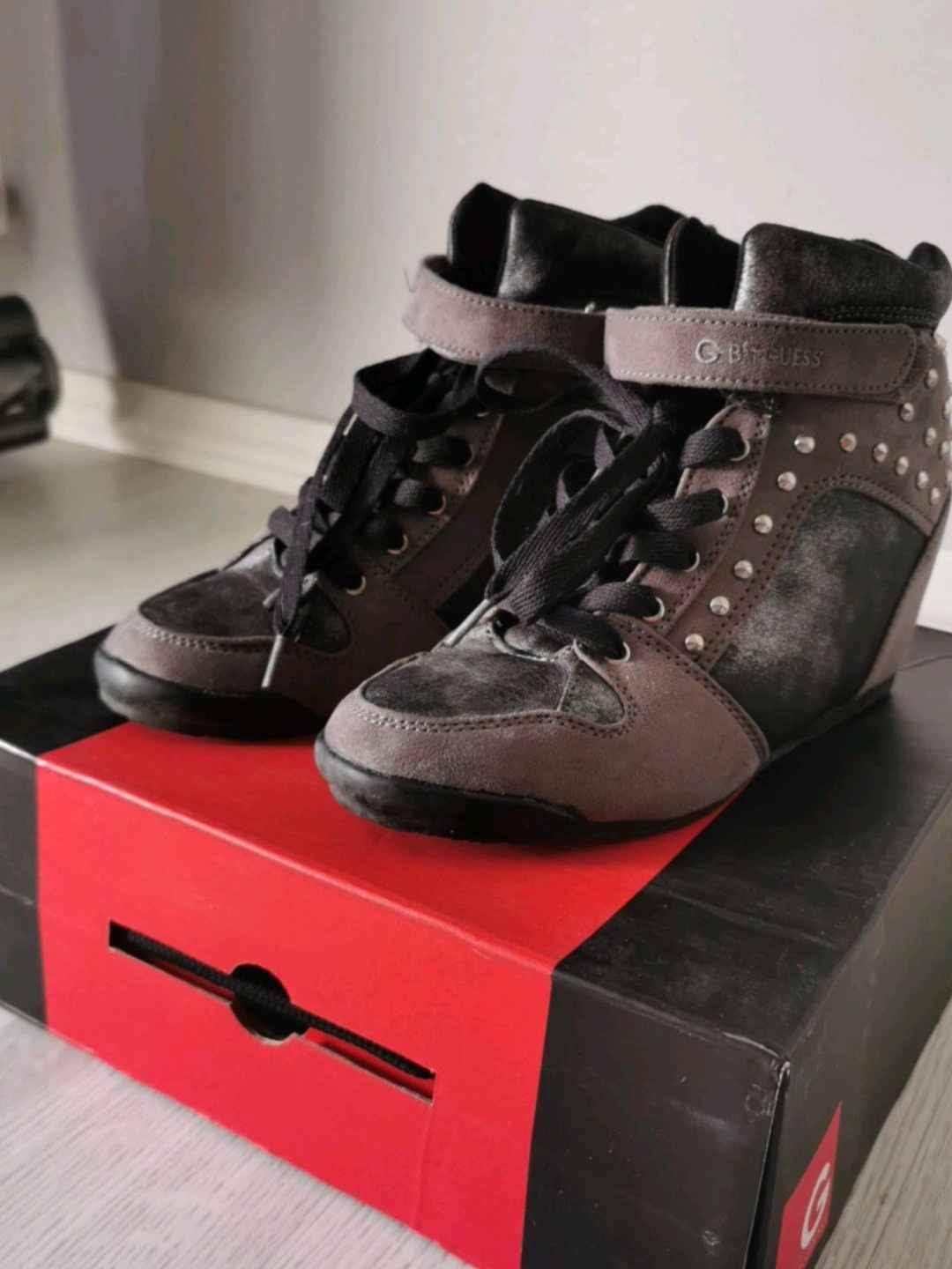 Women's sneakers - G BY GUESS photo 1
