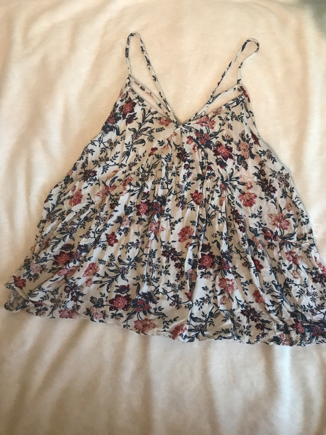 Women's tops & t-shirts - AMERICAN EAGLE OUTFITTERS photo 1
