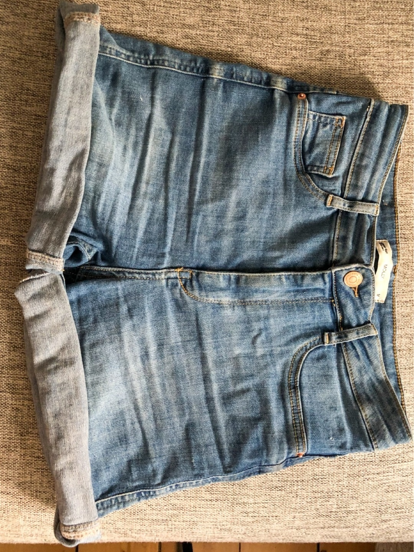Women's shorts - GINA TRICOT photo 2