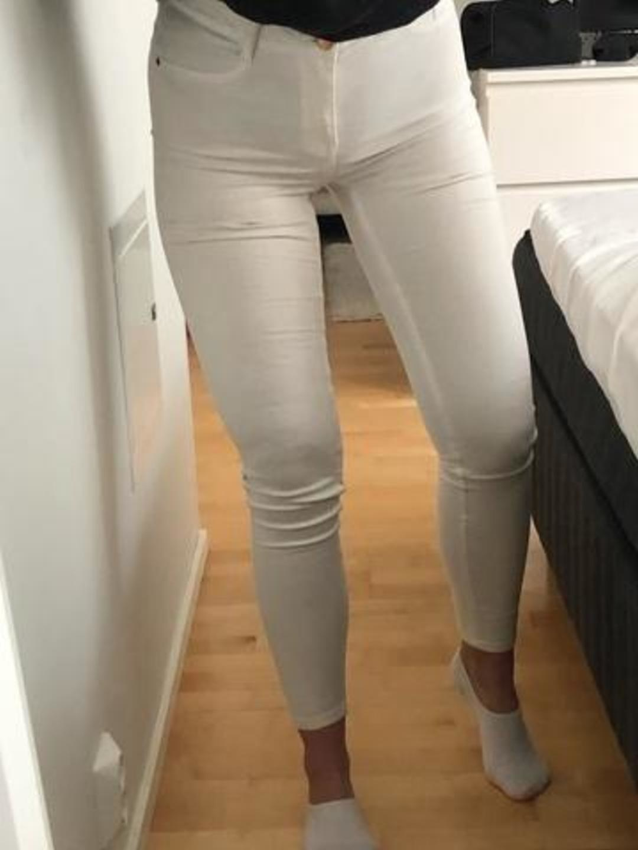 Naiset housut & farkut - GINA TRICOT photo 2
