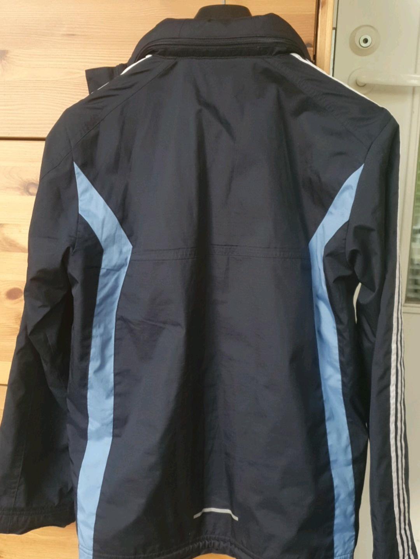 Naiset takit & jakut - ADIDAS photo 4