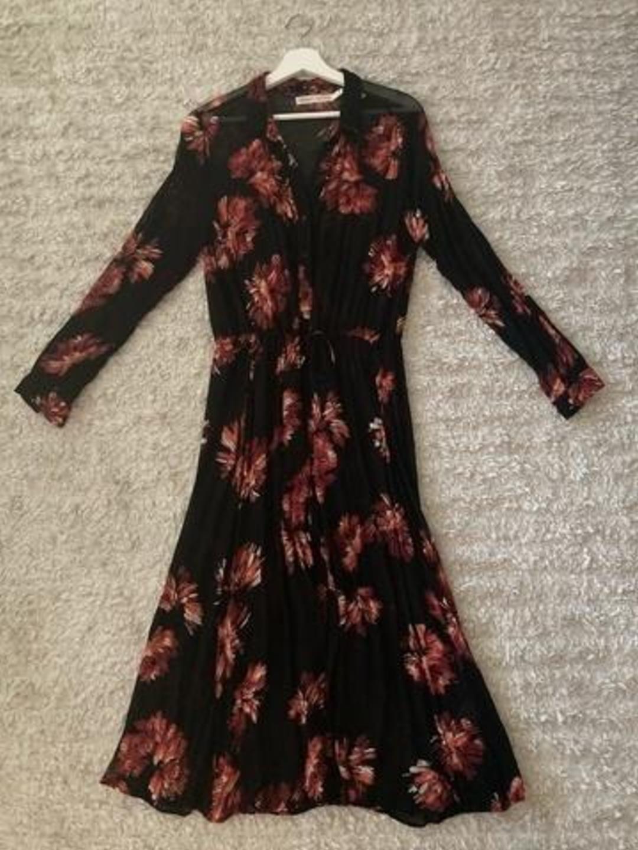 Women's dresses - INWEAR photo 1