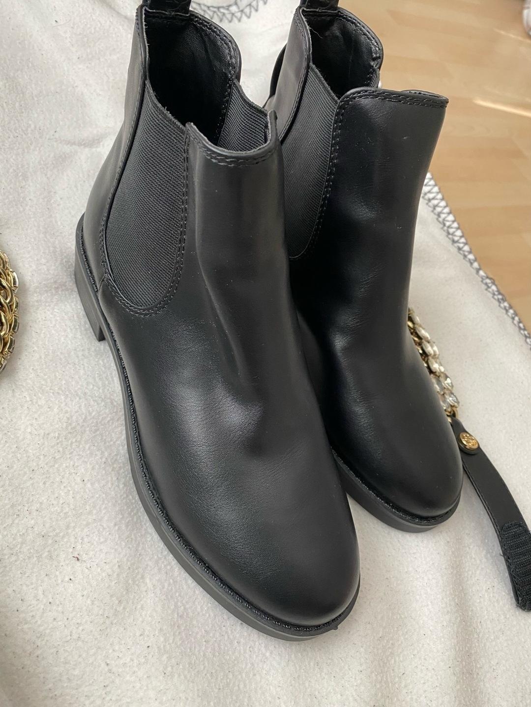 Women's boots - GUESS photo 3