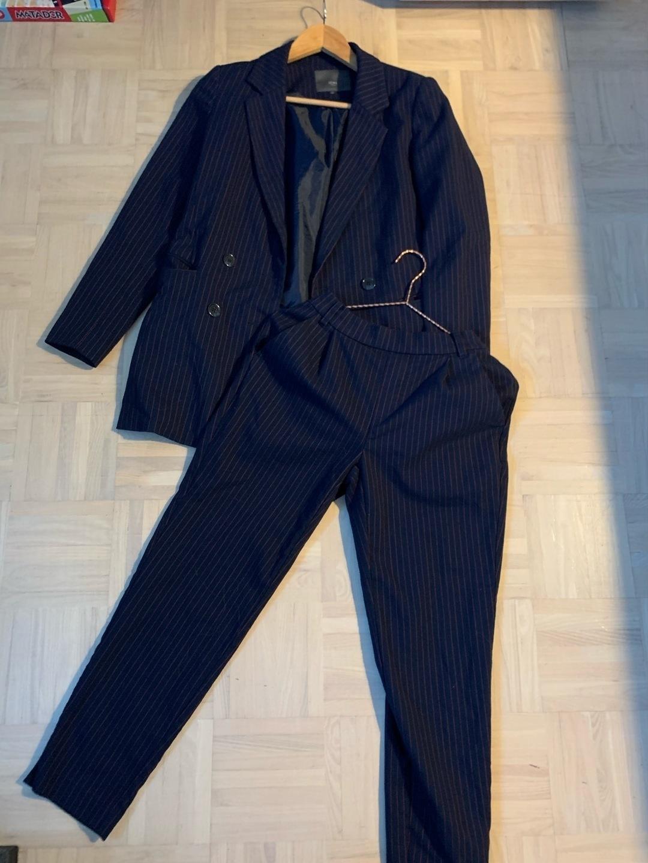 Women's blazers & suits - ICHI photo 1