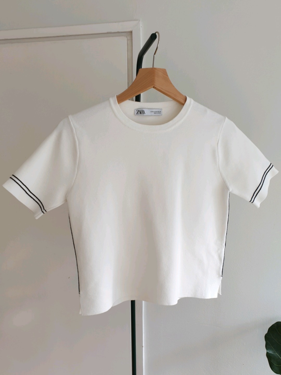 Damen tops & t-shirts - ZARA photo 1