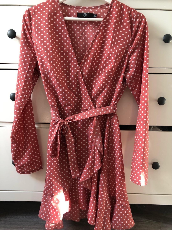 Damers kjoler - MISSGUIDED photo 1