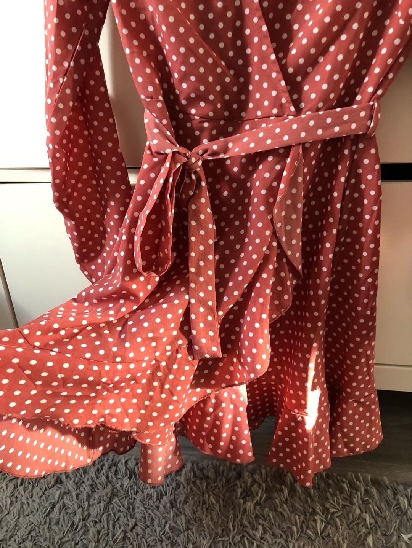 Damers kjoler - MISSGUIDED photo 2
